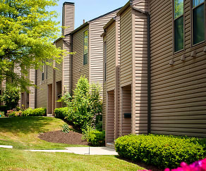 Building, Greenbriar Village Apartments & Townhomes