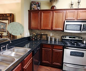 Kitchen, Ibis Trail at Covington