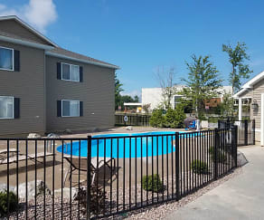 Pool, Brookview Apartments