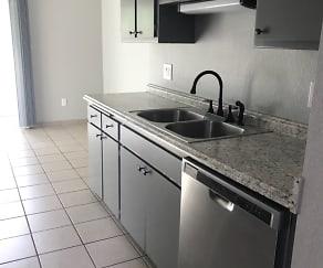 Kitchen, 321 Lake Blvd