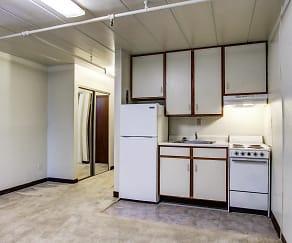 Kitchen, Della Plaza