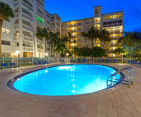 Pool, Gull Harbor Apartments