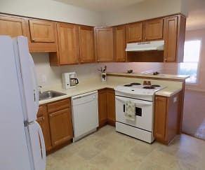 Kitchen, Madison Station Duplexes