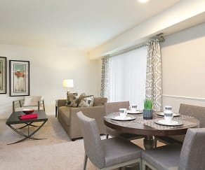 Dining Room, The Apartments at Saddle Brooke