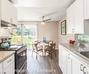 Kitchen, Astoria Apartments