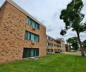 Building, Aquila Park Apartments