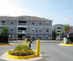 Building, Woodwind Villa Apartments
