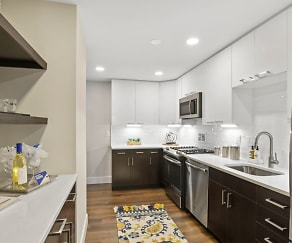 Kitchen, Crystal Square