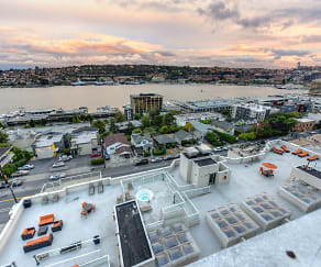 Pool, Summit at Lake Union