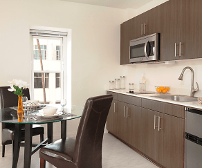 Fully equipped kitchen with storage., Criterion Promenade