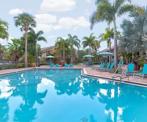 Pool, Madison at Largo