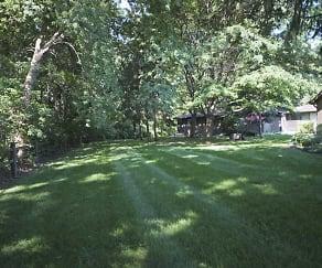 Landscaping, Oakwood Park Apartments