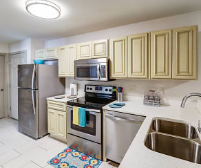 Kitchen, College Center Apartments-Per Bed Leases