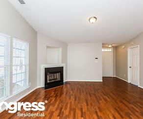 Living Room, 4013 Salmon River Dr