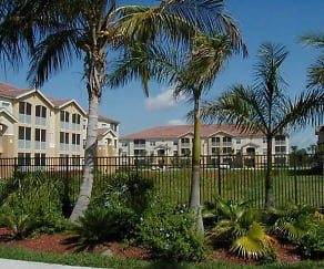 The Lakes At College Pointe, Harlem Heights, FL