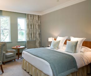 Bedroom, 839 E Irving Blvd