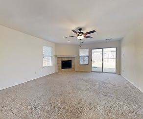 Living Room, 5117 Senator Dr