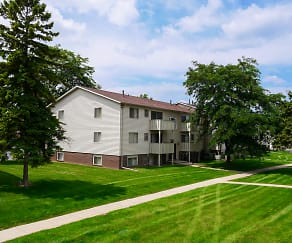Castle Pointe Apartments, Haslett, MI