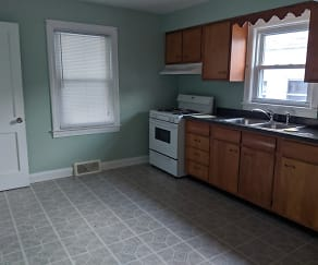Kitchen, 1208 Queen Avenue