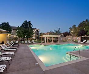 Pool, Cross Pointe
