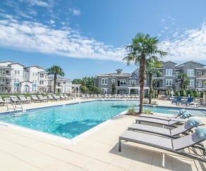 Pool, Shadetree Apartments