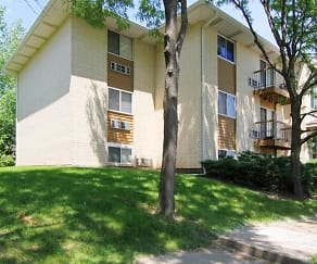 Emhurst Lake Apartments, Early Discoveries   Abbott Child Care Center  Ap40, Green Oaks, IL