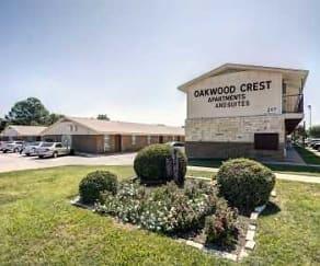 Building, Oakwood Crest Furnished Apartments