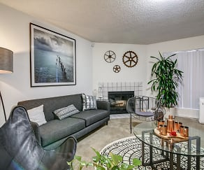 Living Room, La Jolla International Gardens
