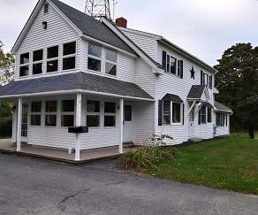 Building, 207 Pleasant St.