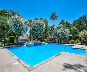 Pool, La Hacienda