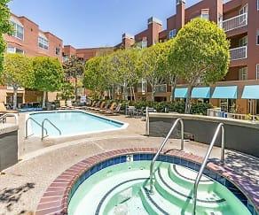 Pool, Bayside Village