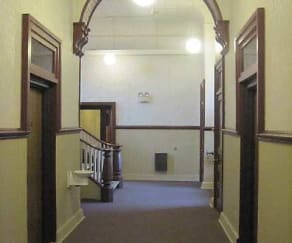 Foyer, Entryway, Rountree Hall Apartments