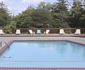 Pool, Oak Hill Apartments