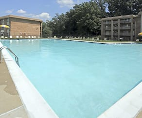 Pool, Montgomery White Oak