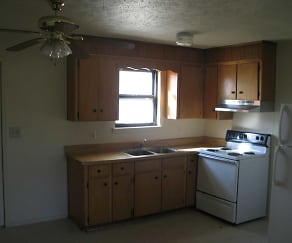 Kitchen, Beech Island Apartments