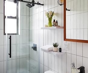 SDC_CommonFairview_Staged_Bathroom_174.jpg, Common Fairview 18-67 Cornelia St #2R-1