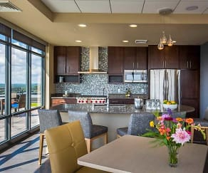 Dining Room, Venture Luxury High Rise