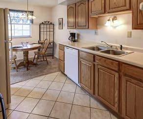 Kitchen, Colonial Crest Apartments