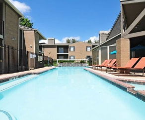Pool, Deerwood Apartments