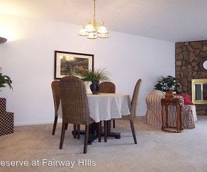 Dining Room, Reserve at Fairway Hills