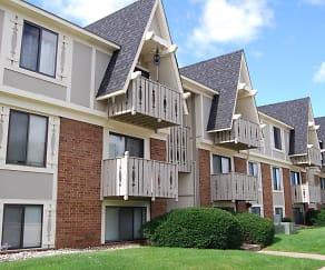 Building, Briarwood