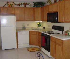 Kitchen, Forest Glen Townhomes