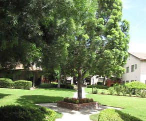 Beautiful Greenery, San Dimas Canyon Apartments
