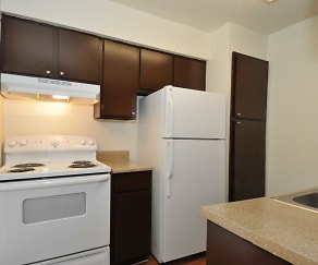 Kitchen, Winding Trails Apartments