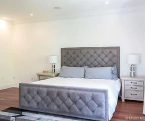 Living Room, 2561 Trapp Avenue