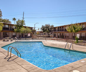 Pool, Mi Casita Apartments