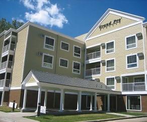 Building, Grand Pre East Apartments