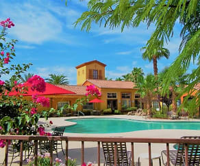 Pool, La Serena at Toscana