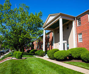 Building, Green Acres Apartments