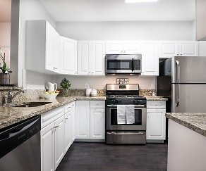 Kitchen, The Pointe at Neptune